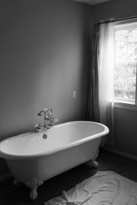 What are the Best Blinds for Bathroom